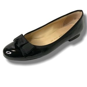 PETER KAISER GENUINE PATENT LEATHER FLATS W/BOW 6